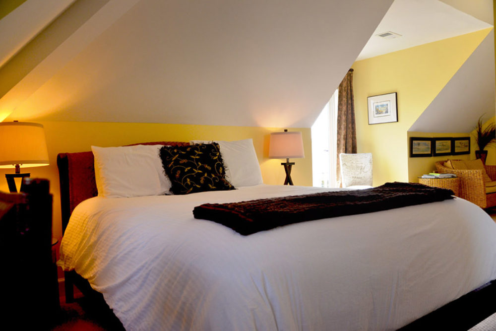 Luxury Bedding at Waters Edge Inn